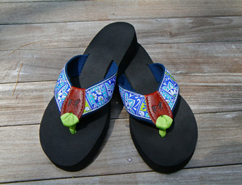 350Staff_PickBeths_Flip_Flops__92287.1386795550.580.580