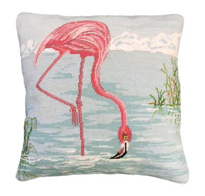 NCU823-Flamingo-in-Water400